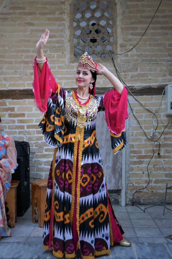 ウズベキスタンダンス体験ツアー