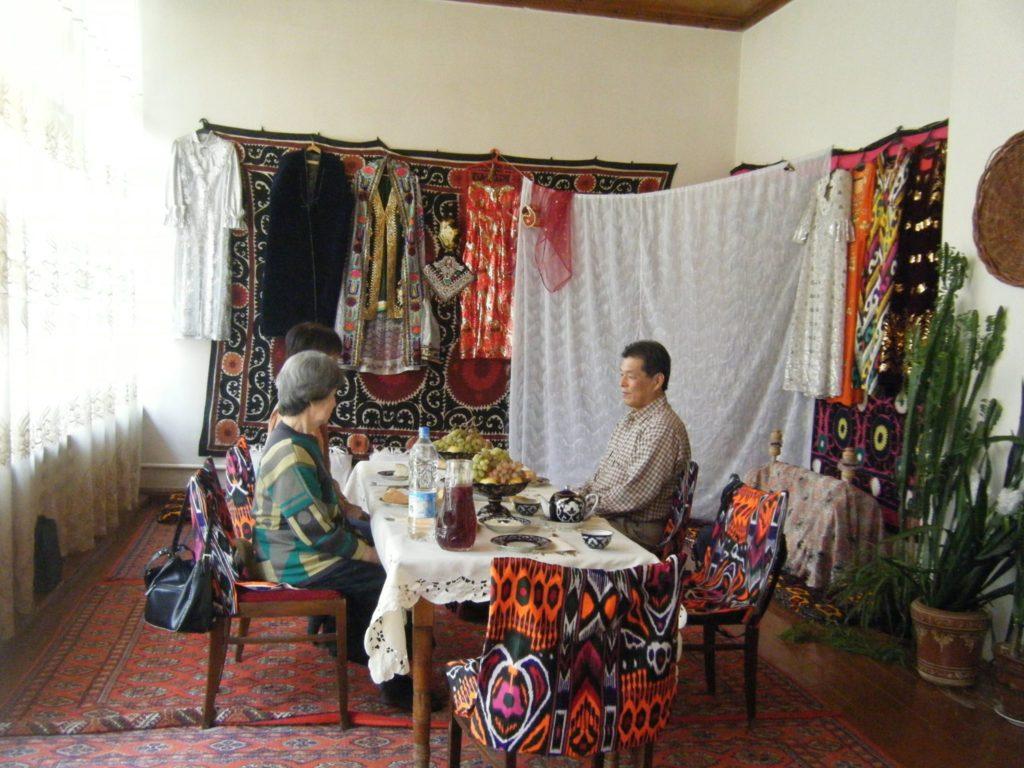 サマルカンドの民家にて文化体験