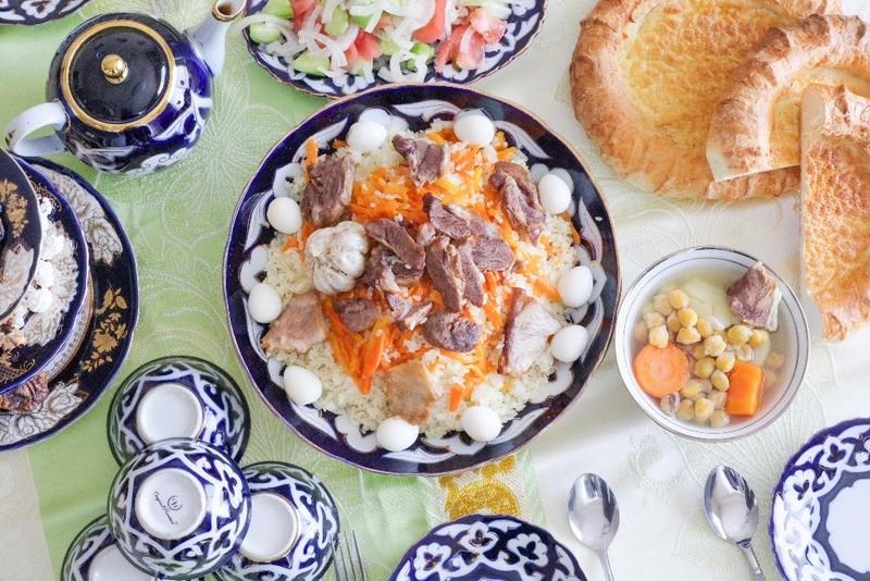 ウズベキスタン料理とのテーブルコーディネート